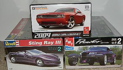 Lot of 3 Kits ~ Prowler with trailer, Sting Ray III, 2009 Challenger R/T