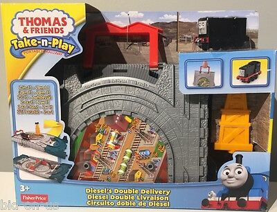 THOMAS & Friends Take-n-Play DIESEL'S DOUBLE DELIVERY 2 in 1 Portable Railway