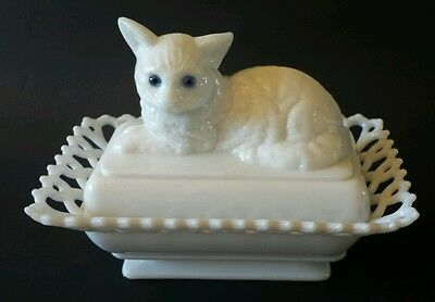 Westmoreland Milk Glass Cat Covered Dish w/Lacy Edge