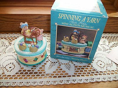 New Enesco In Box - Spinning A Yarn - Petites Mice Moving Music Box
