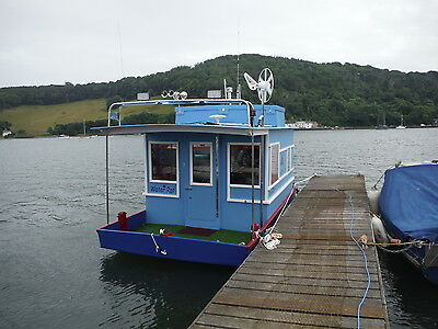 """""""Water Rat"""" Quirky Little Houseboat with Residential Mooring available"""