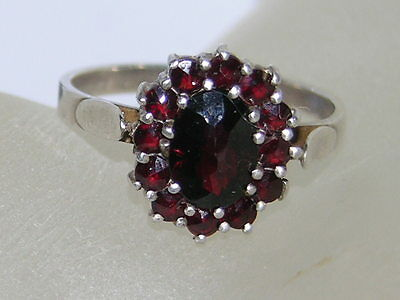 Antique,Garnet (multi stoned) sterling silver ring