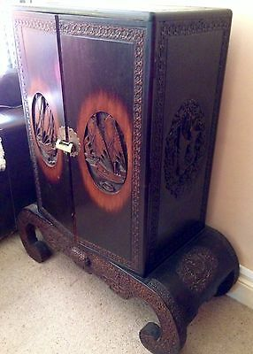 Large Carved Antique Chinese Wedding Cabinet / Cupboard With Drawer