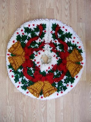 Vtg COMPLETED Latch Hook Rug Festive GOLD BELLS Christmas Tree Skirt Decor 28""