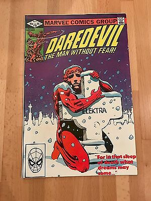 "Marvel Comics - Daredevil # 182 - Very good condition - ""She's Alive"""