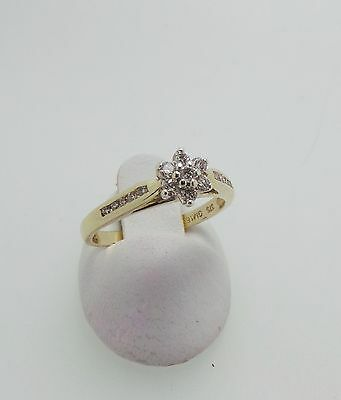 9ct YELLOW GOLD FLOWER DIAMOND RING - RING SIZE K 1/2