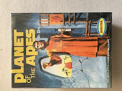 Aurora planet of the apes dr zira snap together  model kit   boxed and sealed