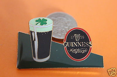 guinness pint and shamrock head pin badge.unused