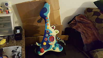 B Woofer Hound Dog Guitar Instrument Real Strum Toy Battat AWESOME TOY FUN