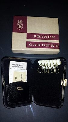 PRINCE GARDNER VINTAGE HINGED Hard shell Key Keeper wallet holder case
