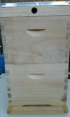 Beekeeping supplies - bee hive Beehive - NZ Pine - with 16 frames, flat pack