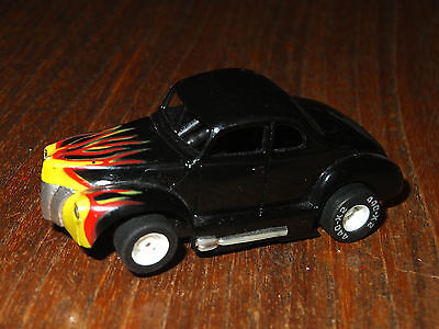 TYCO Ford HOT ROD, w. LED light on 440x2 chassis, AFX AW Tomy Aurora Tyco HO car