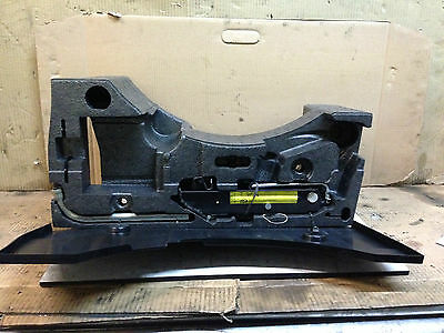 Vw Passat B6  Estate Boot Compartment Tool Kit Form And Cover In Black 3C5012115