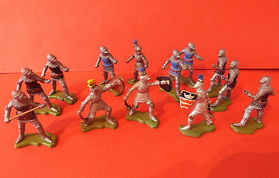 BRITAINS HERALD * x13 KNIGHTS * VINTAGE 60s 70s PLASTIC TOY SOLDIERS