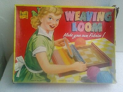 Vintage Boxed Toy Weaving Loom 1940`s/50`s ?.A Berwick Toy