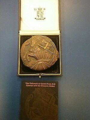 2005 The Triumph of Good over Evil George and the Dragon Medal bronze royal mint
