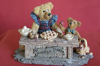 Part 3 (6 pieces) of an Exquisite Collection of Genuine Boyds Bears Figurines