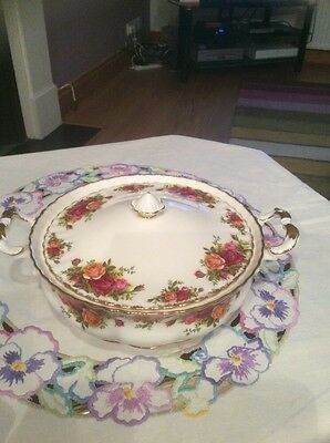 Royal Albert Old Country Roses Vintage China Lidded Vegatable Tureen