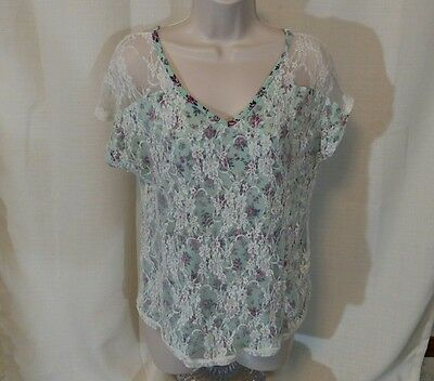 MAURICES Shirt Knit Top Women Size M Lace Green Floral Short Sleeve Stretch
