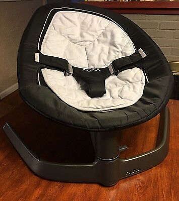 NUNA LEAF Baby Seat- . EXCELLENT PREOWNED CONDITION - CHARCOAL GRAY/BLACK