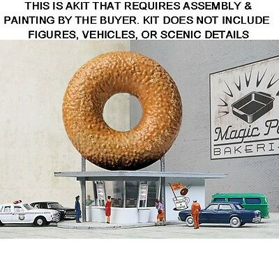 """Walthers Cornerstone N Scale Kit 933-3835: """"hole-N-One Donut Shop"""""""