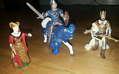PAPO knights King Queen 3 figures new horse