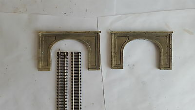 N Gauge Twin  Track Tunnel Entrance Set Of Two
