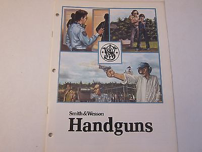 1982 Smith & Wesson Handguns Catalog Brochure Revolvers Pistols LOTS More Listed