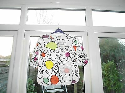BNWT a Girls Painting Apron Age 2/3 Years