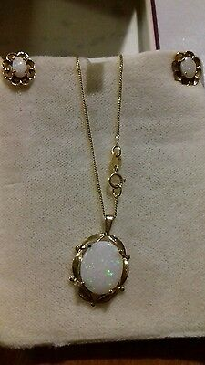 9CT 9K GOLD OPAL EARRINGS & NECKLACE CHAIN SET Boxed Unworn Condition 9 carat