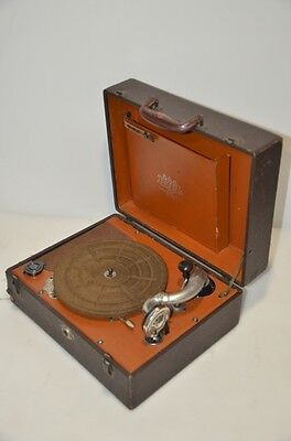 Vintage Antique Pal Portable Phonograph Model 508 Hand Crank Record Player