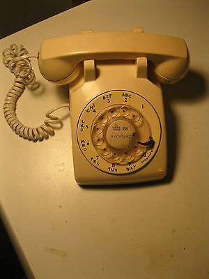 vintage phone Western Electric 1975 rotary dial Bell Systems  works cream white