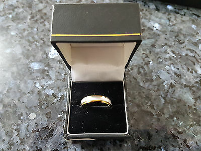 9ct White and Yellow Gold Court Matt Centre 5mm Wedding Ring - Size S