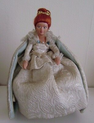 """Peggy Nisbet Doll Queen Elizabeth 1st Character Made England 8""""Royalty W/Tag(N6)"""