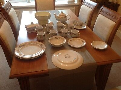 Boots Orchard Dinner Set