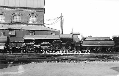 B&W photo GWR Star class 4-6-0 No.4034 'Queen Adelaide'