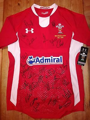Wales Rugby 2013 Shirt Signed By Team.historic! /jersey/maillot- Look!!