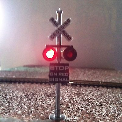 HO Scale Model Railroad Signal Crossing Light (Flashing LEDs)