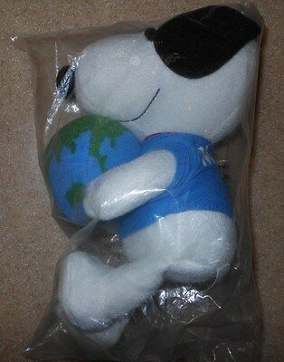 """Rare Nib Metlife Peanuts Snoopy Holding Planet Earth 6""""-7"""" Plush Toy New In Bag"""