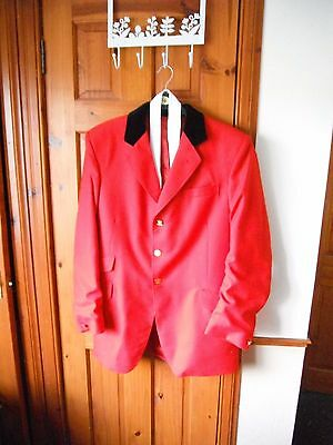 """Gents Red Wool Show Jumping / Hunt Jacket 42"""" With White Knitted Tie Used"""