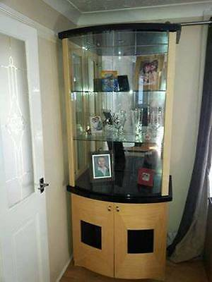 Italian Display Cabinet Glass  Front and Shelves.....  Collection only...