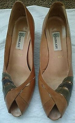 vintage women's Brown leather shoes - size 9