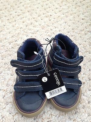 Brand New Baby Boys Shoes Size 4