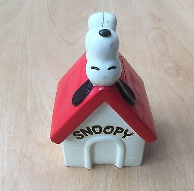 Vintage c1970s Snoopy On His Kennel Money Box