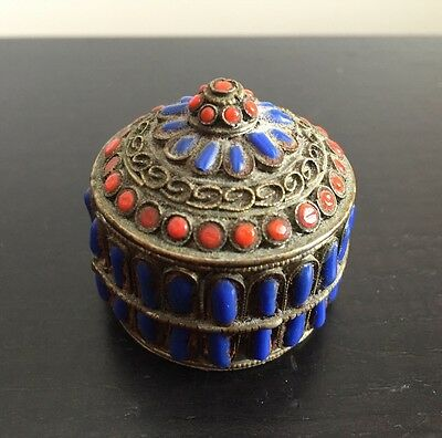 Fine Antique Chinese Tibetan Inlaid Red Coral Lapis Stone Snuff Pill Box Art NR