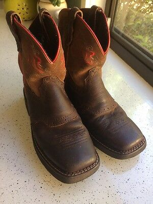 Girls Justin's Boots. 'Gypsy' Size 1 1/2 D. Brown Leather.