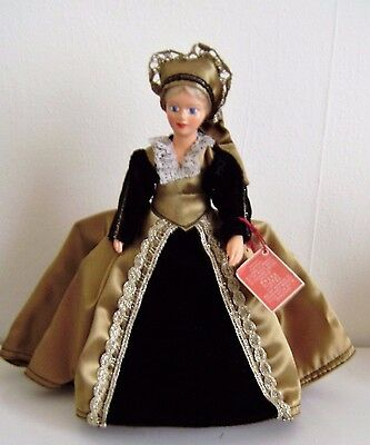 """Peggy Nisbet Doll Catherine Howard Character Made England 8""""Royalty W/Tag H/221"""