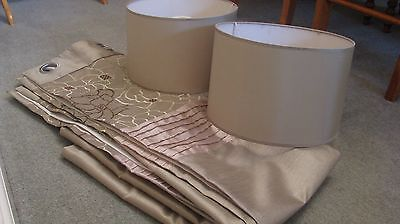 2 x pairs of ring top lined curtains and 2 x lampshades