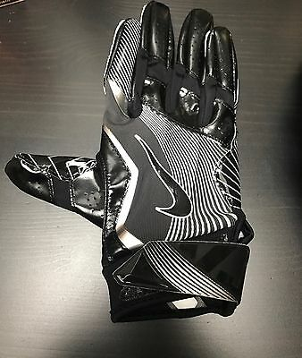 Sterling Moore New Orleans Saints NFL Game Used Glove
