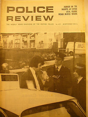 POLICE REVIEW WEEKLY NEWS 28th  SEPTEMBER 1973 ex and original